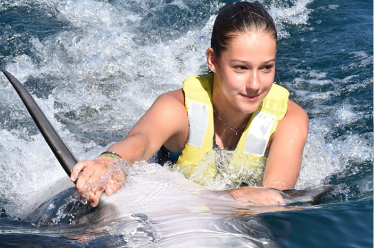 Muğla'nın Marmaris İlçesinde Engellilere Yunus Terapisi Uygulanıyor