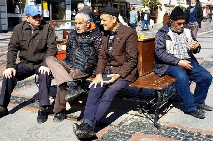 İçişleri Bakanlığı Duyurdu! 65 Yaş Üstüne Sokağa Çıkma Yasağı