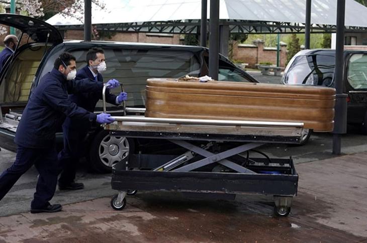 İspanya'da Huzurevlerinde Kalan Yaşlılar Ölüme Terk Edildi!
