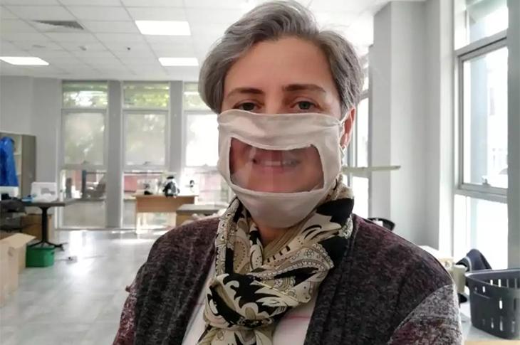 İzmit Belediyesi İşitme Engellilere Özel Maske Üretti
