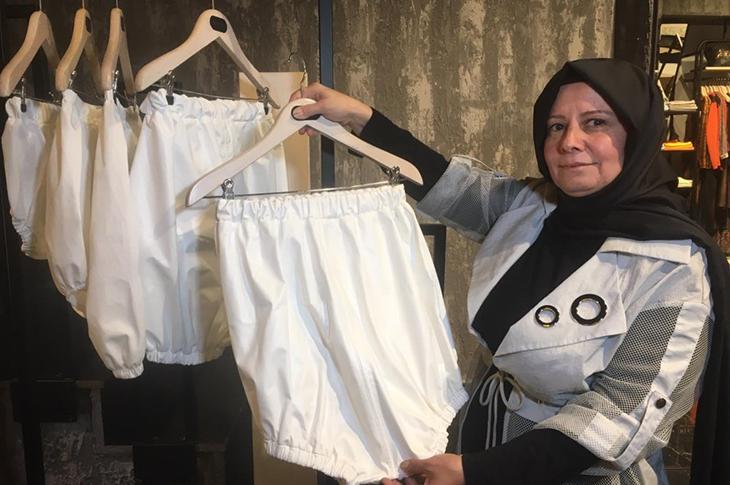 Alzheimer Olan Babası İçin İdrar Geçirmeyen Çamaşır Üretti
