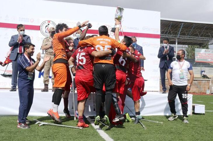 Ampute Futbol Türkiye Kupası Şampiyonu Etimesgut Belediyesi