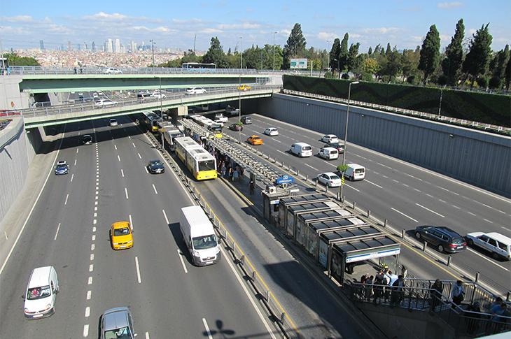 Edirnekapı Metrobüs Durağı Erişilebilirlik Çalışması Nedeniyle Kapatılacak