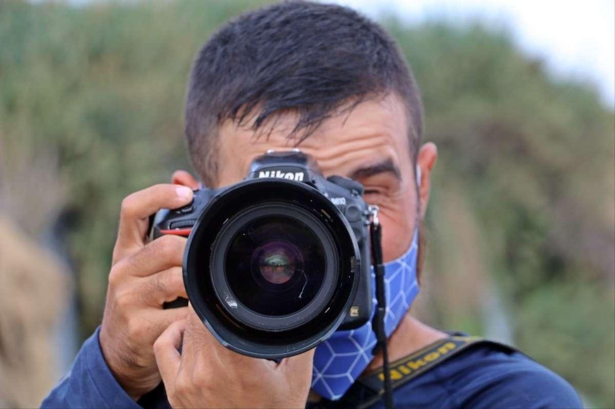 Görme Engelli Fotoğrafçı Çektiği Karelerle Görenleri Hayrete Düşürüyor