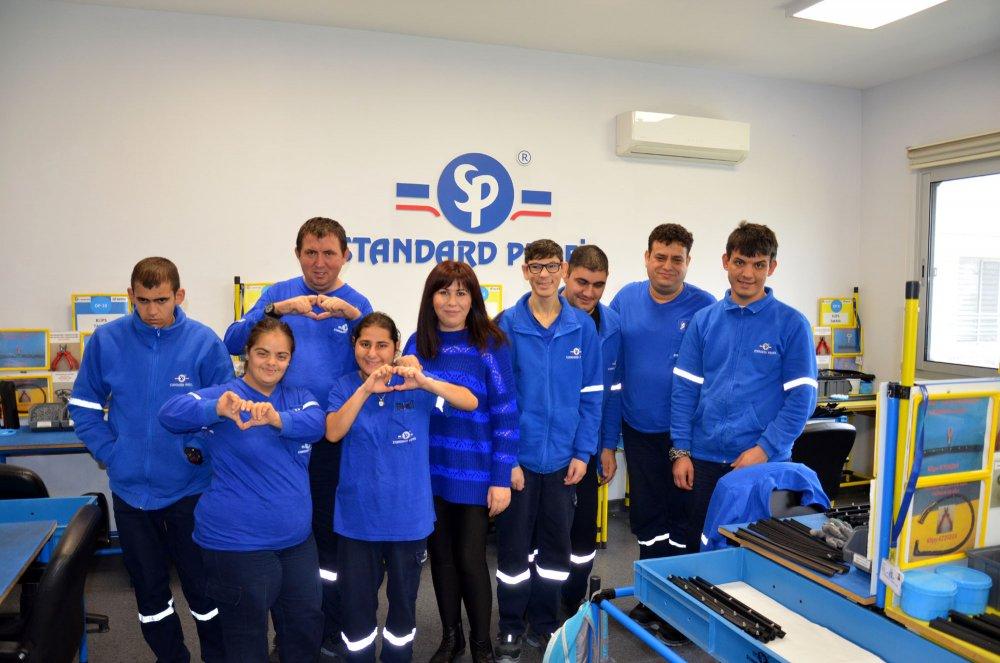 Manisa Korumalı İşyeri Merkezi'nde 60 Engelli Üretime Katkı Sağlıyor