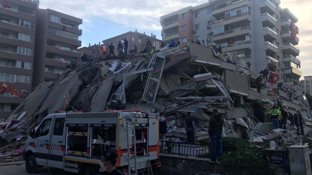İzmir Depreminde Can Kaybı 25 Oldu