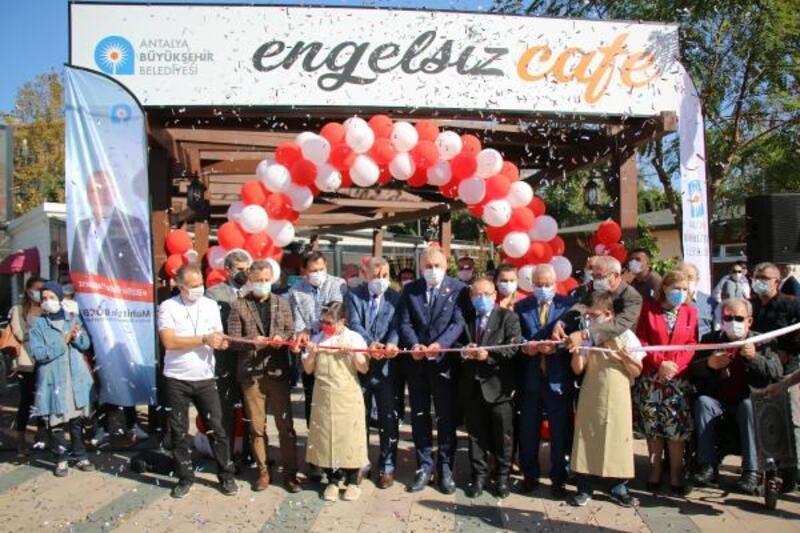 Antalya Büyükşehir Belediyesi 'Engelsiz Kafe' Sosyal Tesisi Hizmete Açıldı