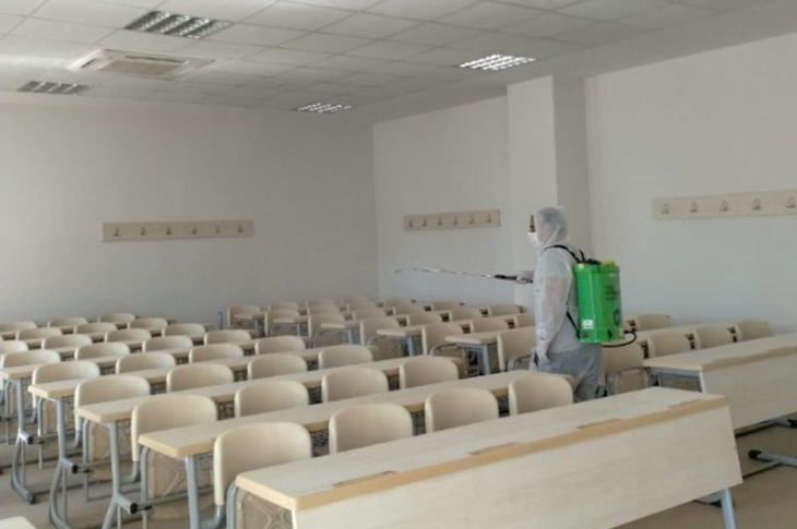Antalya Büyükşehir Belediyesi EKPSS Öncesi Okulları Dezenfekte Etti