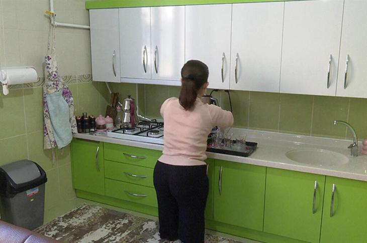 Bursa'da Kısa Boylu Engelli Çiftin Mutfakları Boylarına Göre Yenilendi