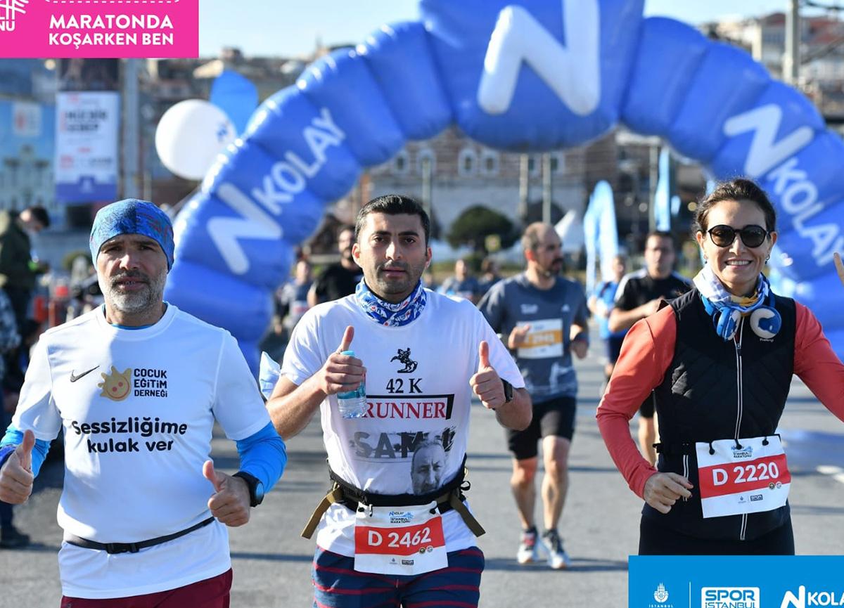 İşitme Engelli Maratoncu Kadir Çelik 42. İstanbul Maratonu'nda Farkındalık Yarattı