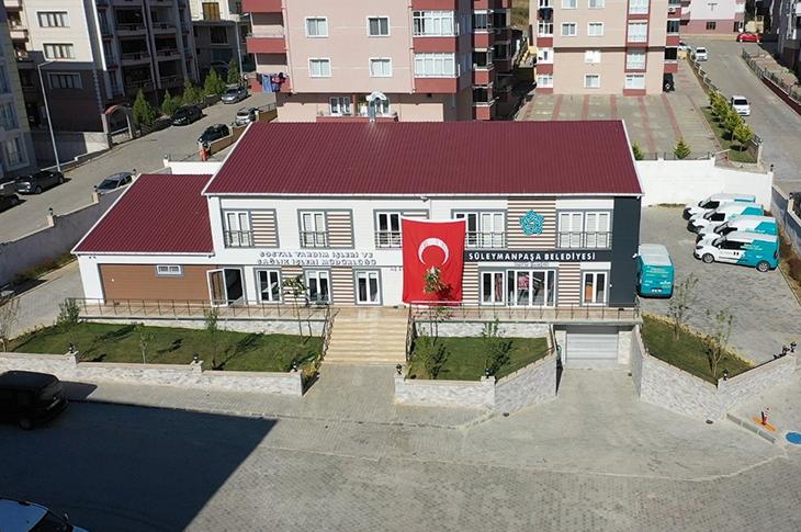 Süleymanpaşa Belediyesi'nden Engellilere Akülü Araç Desteği