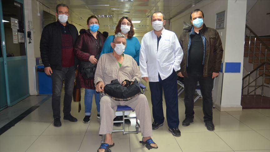 Kütahya'da 71 yaşındaki hasta hem koronavirüsü hem felci yendi