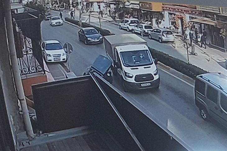 Aydın'da Engelli Araçlı Yolcuya Çarpan Sürücü Kaçtı