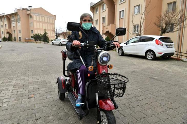 Vali Şıldak Engelli Kadının Sesini Duydu