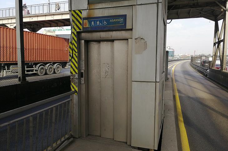 Beşyol Metrobüs Durağını Kullanamayan Engellilerin Şikayeti Devam Ediyor