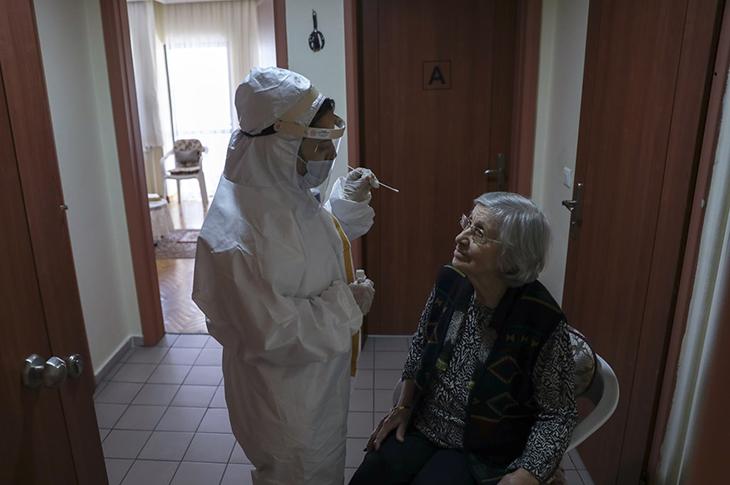 DSÖ'den Türkiye'de Hizmet Veren Huzurevlerine Övgü
