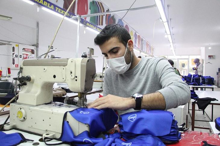 Konuşma Engelli Genç Devlet Desteğiyle Tekstil Atölyesi Kurdu