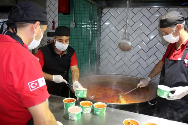 Gaziantep'te Engellilere Günlük Yemekleri Dağıtılıyor