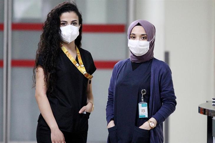 Kovid-19 Servis Hemşirelerinin Tercihi 'Engelli Hasta' Oldu