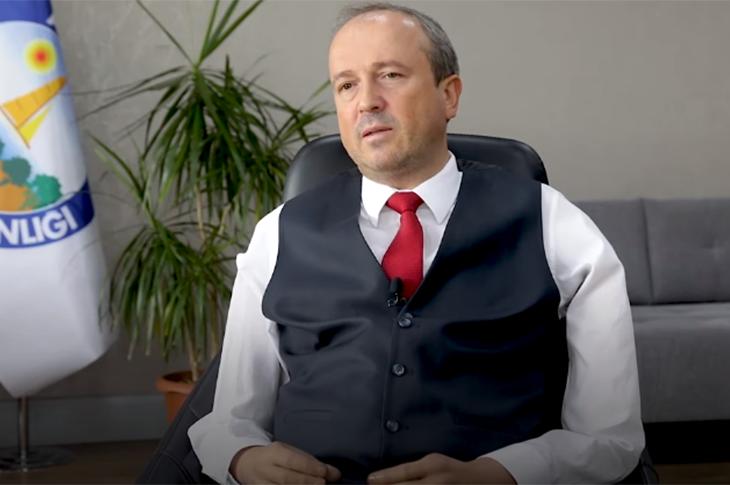 Türkiye'nin İlk Engelli Belediye Başkanı Hançerli Projelerini DW Türkçe'ye Anlattı