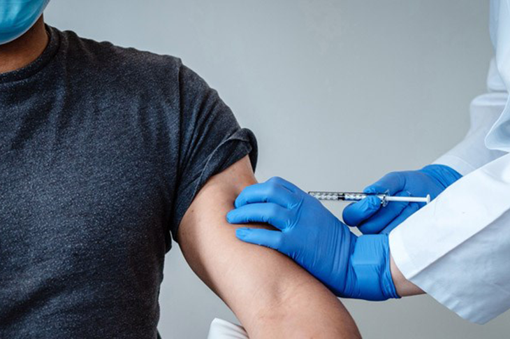 İki Doz Aşı Olanlar Kısıtlamalardan Muaf Olacak