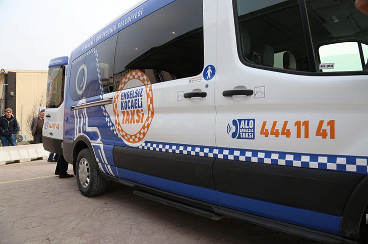 """Kocaeli'de """"Engelsiz Taksi"""" 3 Bin Ulaşım Sağladı"""