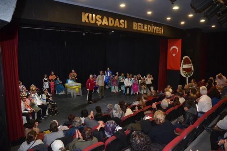 Kuşadası Tiyatrosu'na Sosyal Sorumluluk Ödülü
