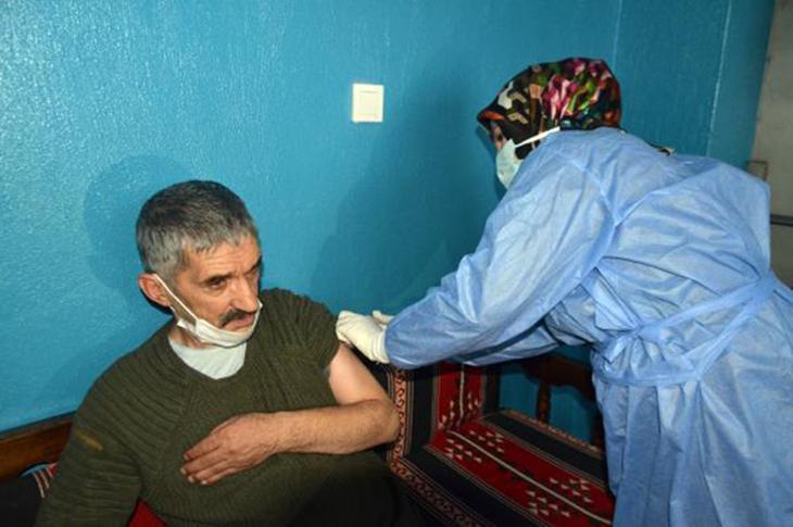 Muş'ta Engellilere Aşı Uygulaması Sürüyor