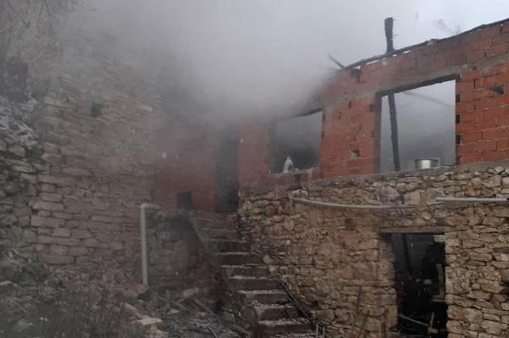 Akhisar'da Engelli Kişi Yangında Hayatını Kaybetti