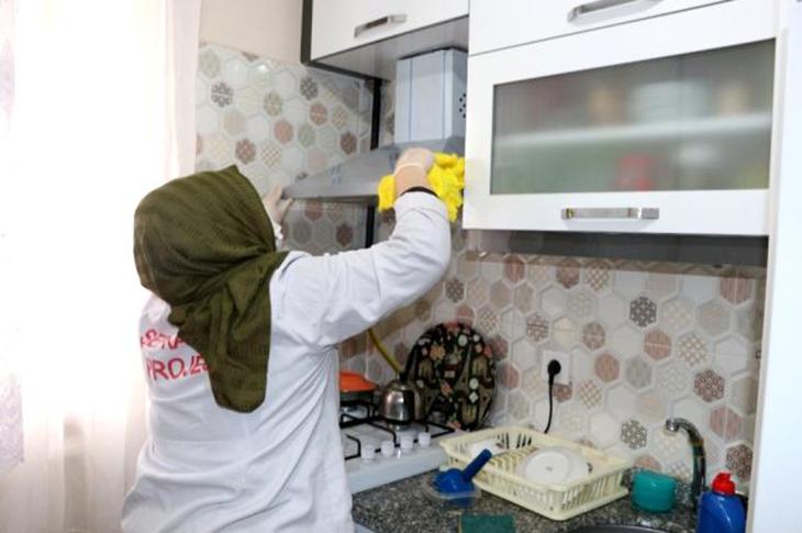 Sultanbeyli'de Şefkat Eli Projesi Sürüyor