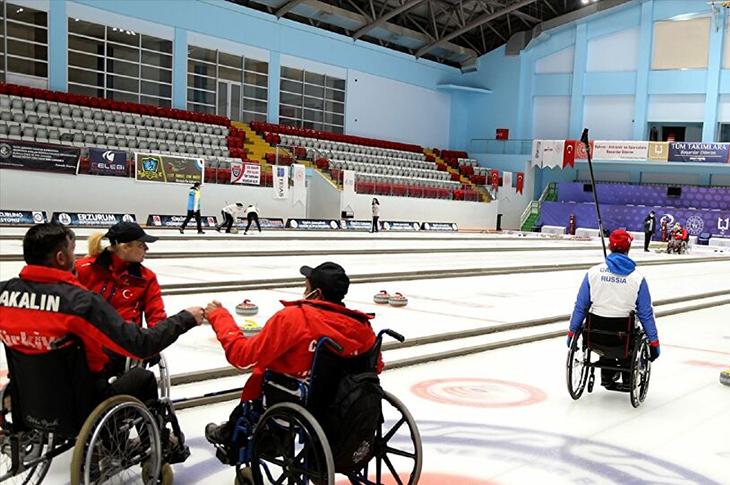 Türkiye ile Rusya Curling Milli Takımı Ortak Kamp Yapıyor