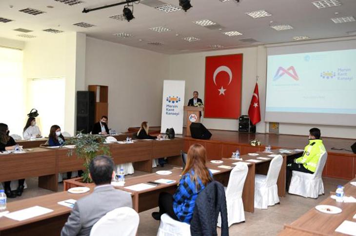 Mersin'de 'Yaşlı Dostu Kent Çalıştayı' Yapıldı