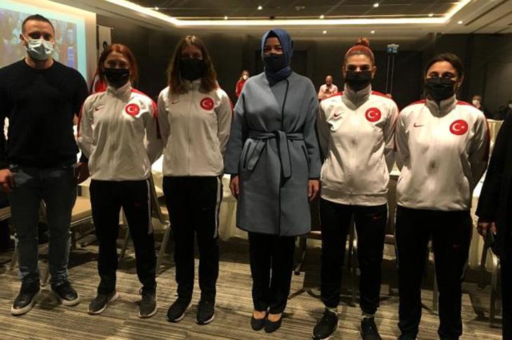 'Özel' Milli Sporcular Bayrampaşa'da Bir Araya Geldi