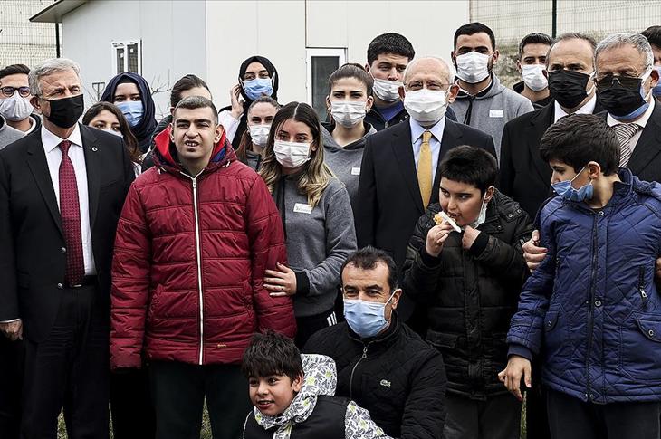 CHP Lideri Kılıçdaroğlu Otizm Vakfı'nı Ziyaret Etti