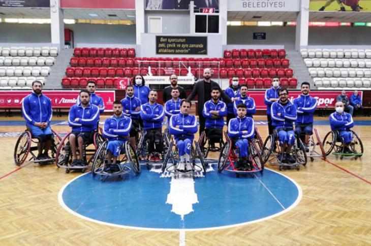 İzmir Büyükşehir Şampiyonluğa Ulaşmak İstiyor