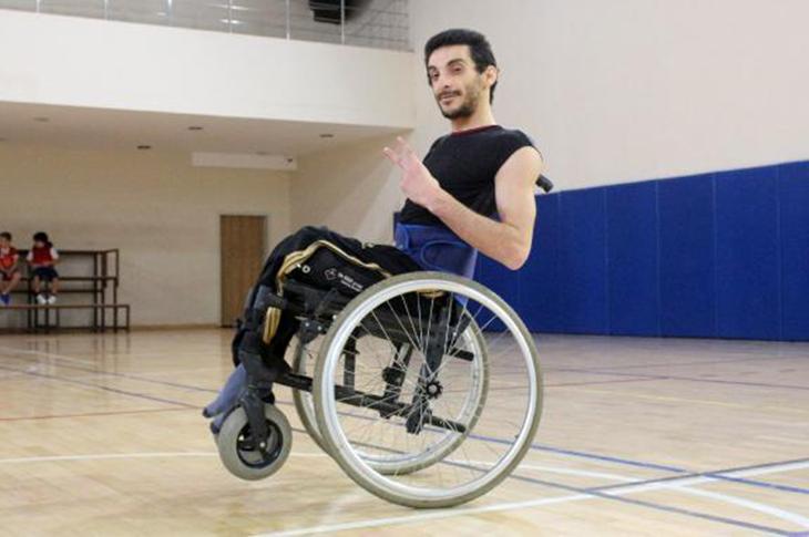 Dansıyla Tekerlekli Sandalyesini Konuşturacak