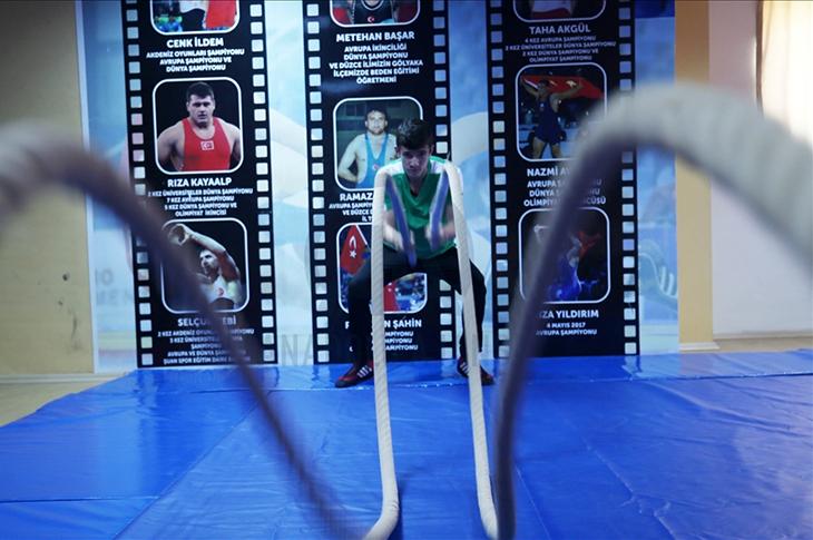 Yunus Emre'nin Hedefi Güreş Şampiyonası'nda Altın Madalya
