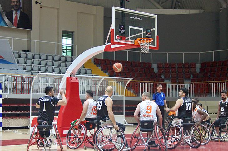 Basketbol Süper Ligi'nde Yarı Finale Yükselen Takımlar Beli Oldu