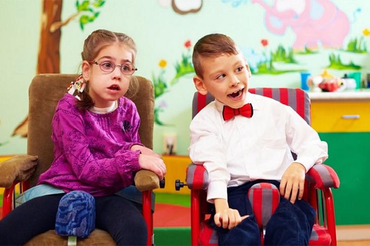 Cerebral Palsy'li Çocukların Ailelerini Neler Bekliyor?