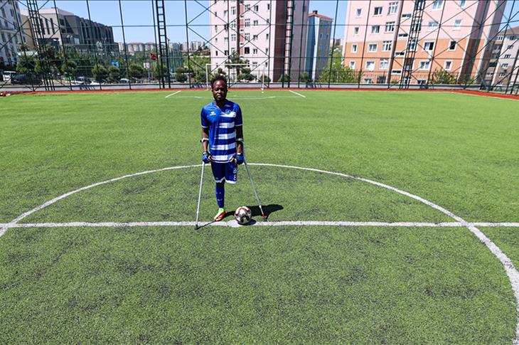 Ganalı Iddi Ampute Futbol Ligi'nin ilk yabancı kaptanı oldu