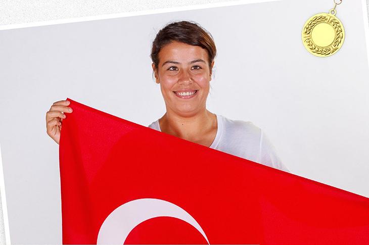 Para Atlet Büşra Nur Tırıklı'dan Altın Zafer