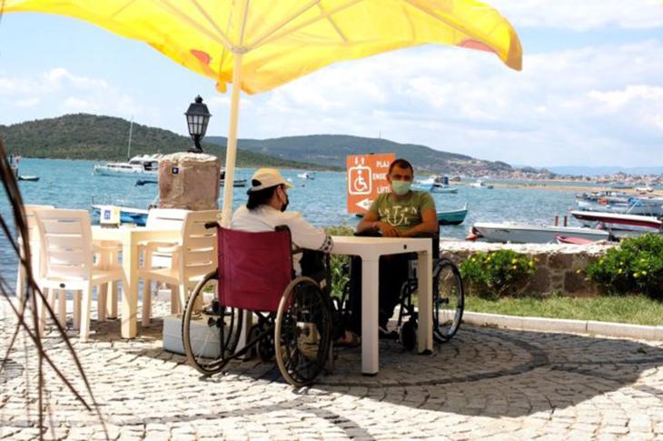 Ayvalık'ta Engelsiz İki Plaj Hizmete Açıldı