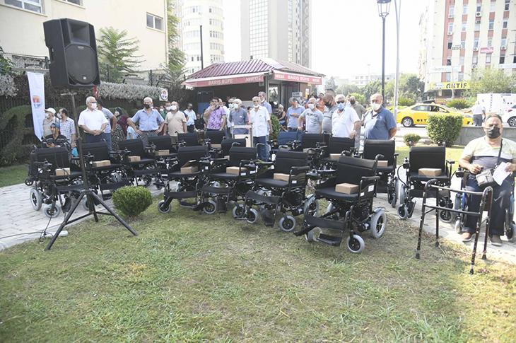 Adana Büyükşehir'den 300 Engelliye Tekerlekli Sandalye