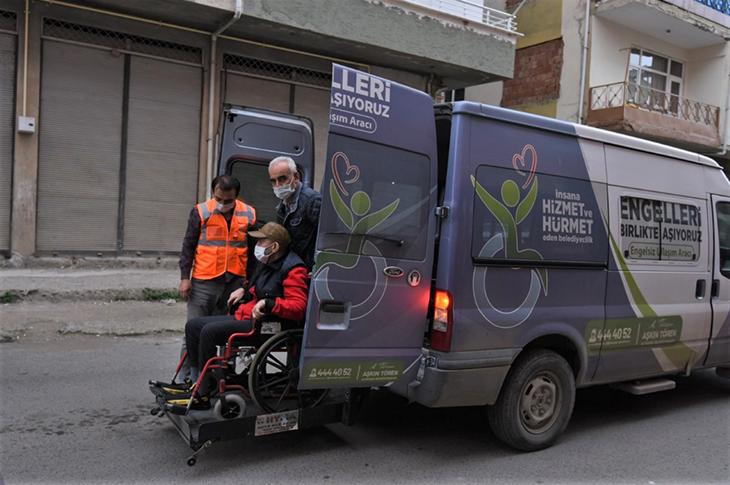 Altınordu Belediyesi'nin Nakil Aracı Hayatları Kolaylaştırıyor