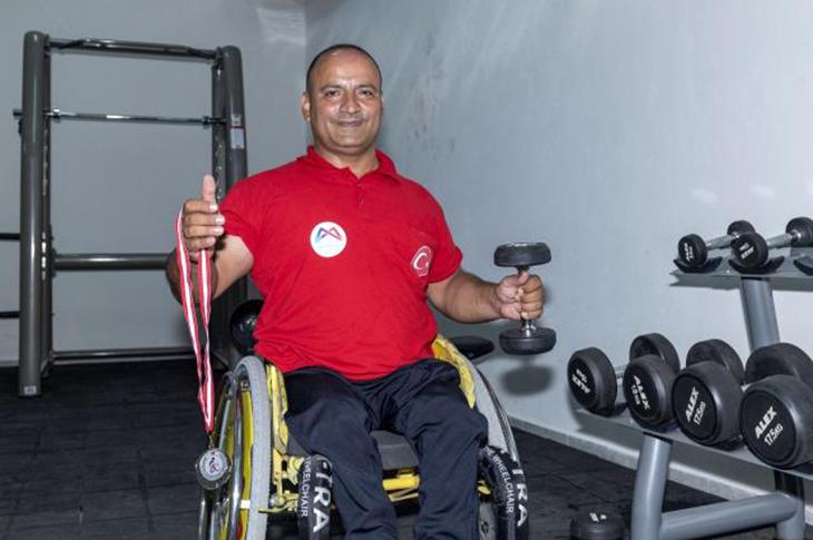 Engelli Sporcu Kenan Özkan Halterde Türkiye İkincisi Oldu