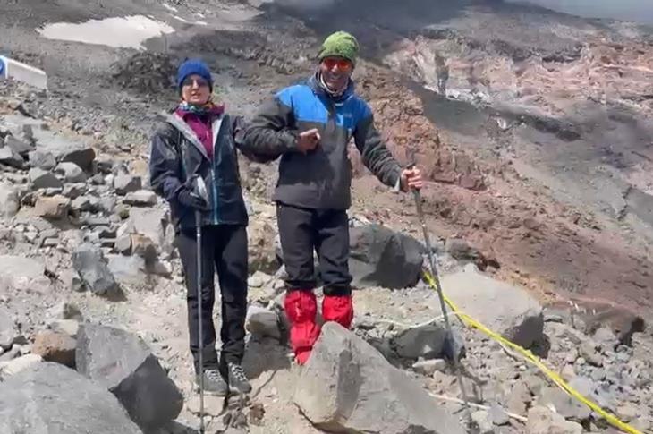 Ağrı Dağı'na Tırmanan Görme Engelli Melisa Yılmaz Tarihe Geçti