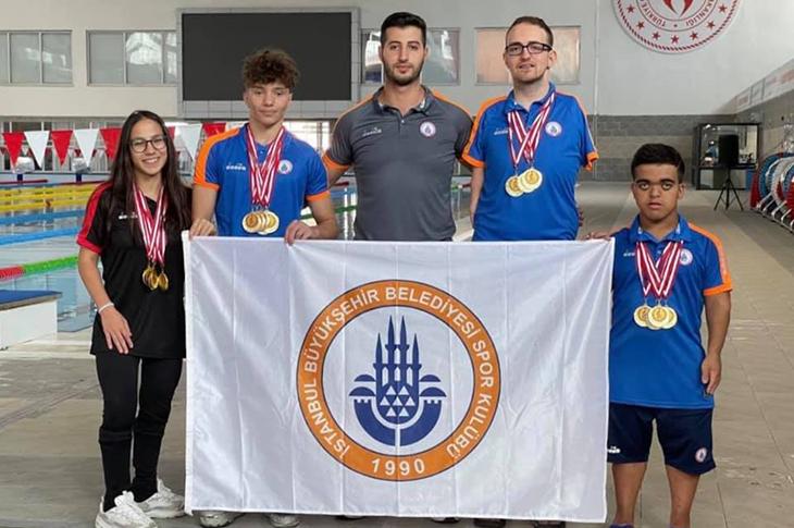 İstanbul BBSK Türkiye Yüzme Şampiyonu Oldu