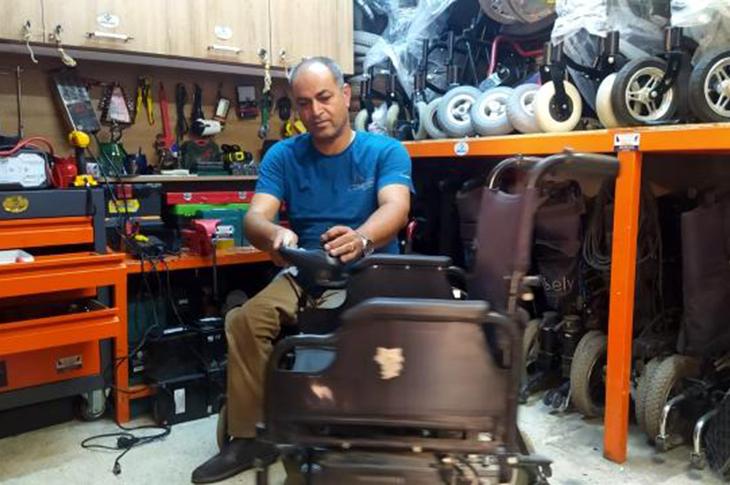 Tamirci Bulamayan Engelli Usta Olup Araçları Tamir Ediyor