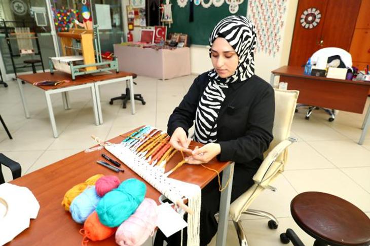 Bağcılar Engelliler Sarayı'ndaki Eğitimle Küçük İşletme Kurdu