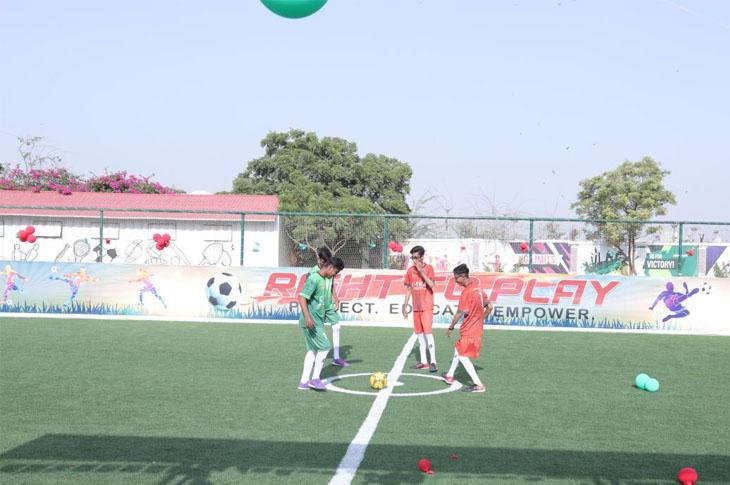 TİKA'dan, Görme ve İşitme Engelli Öğrencilere Futbol ve Kriket Sahası